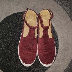 🎉 Suede Burgundy Shoes 🎉